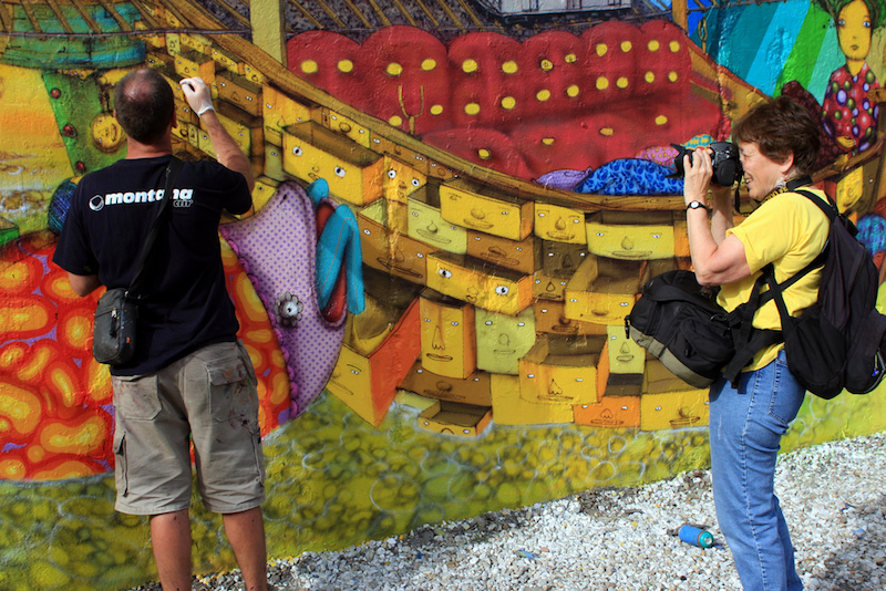 Martha Cooper photographing Os Gêmeos at Houston Street in 2009. Photo by Dani Reyes Mozeson.